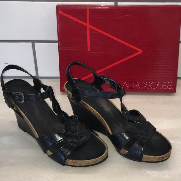 ae9fb9004e09 AEROSOLES Shoes - Aerosoles Soft Plush Wedge Sandal Size 8.5